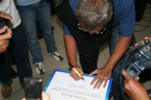 bang iwan tanda tangan